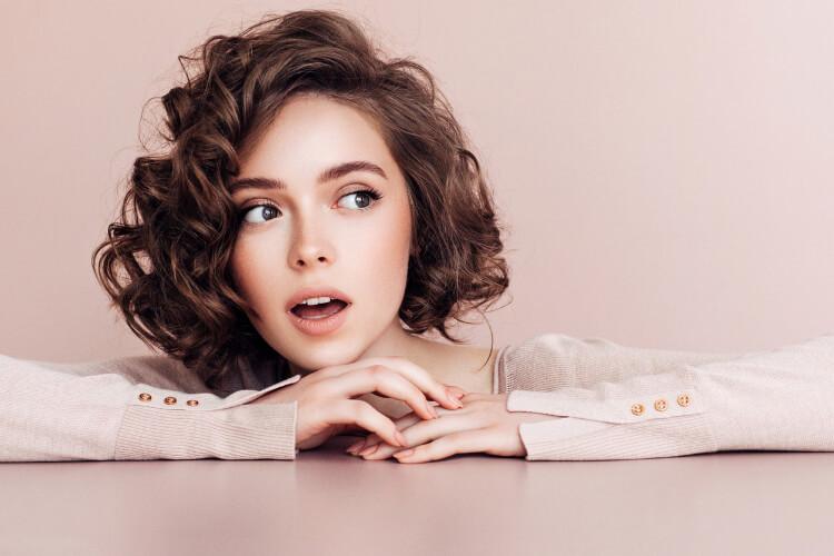 Akrep Kadınları İçin Saç Önerileri-5