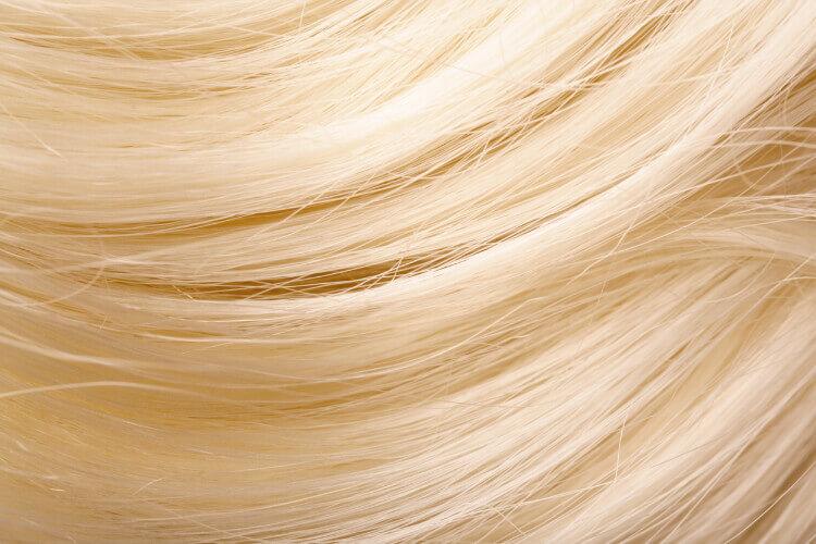 Bebek Sarısı Saç Rengi Nedir, Kimlere Yakışır?-1