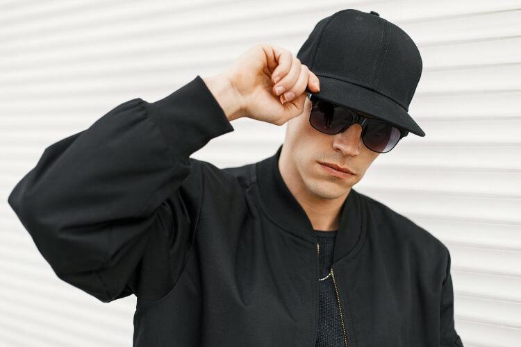 Aksesuarın Gücü: Erkeklere Özel Kışlık Şapka Rehberi-3