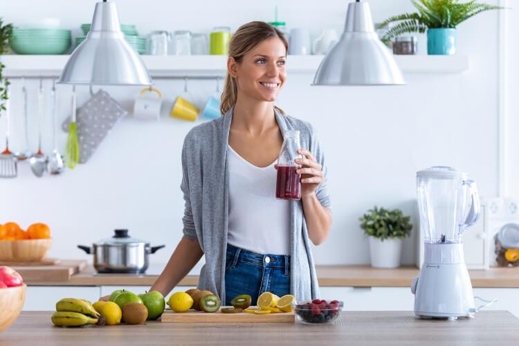 Pürüzsüz Bir Cilt İçin Evde Hazırlayabileceğiniz Detoks İçecekleri-2