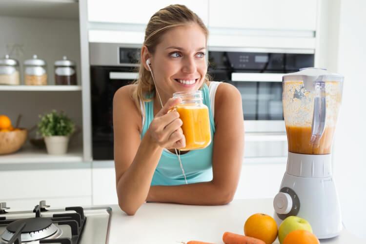 Pürüzsüz Bir Cilt İçin Evde Hazırlayabileceğiniz Detoks İçecekleri-3