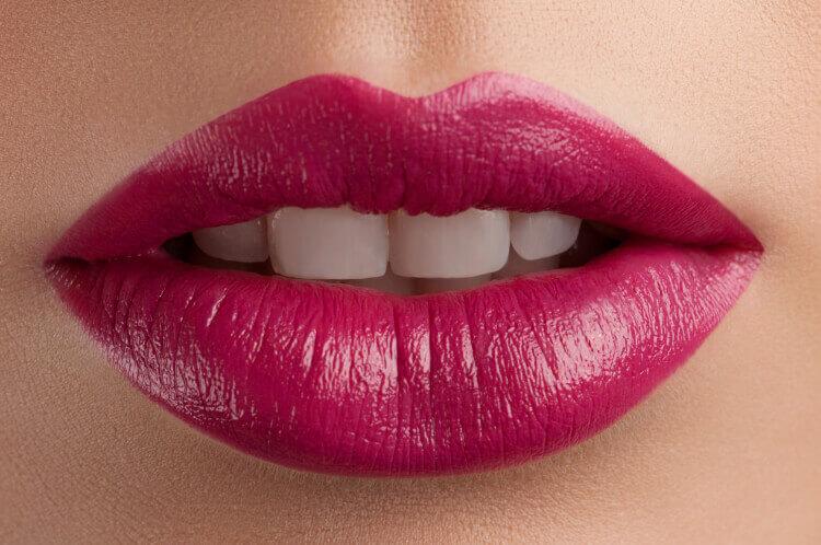 Dişlerinizi Daha Beyaz Gösteren Makyaj Hileleri-3