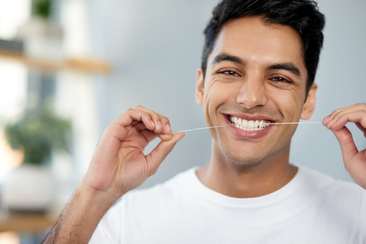 Diş İpi Kullanmanın 5 Faydası-1