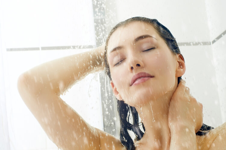 Duşta Yüz Temizleme Yapılır Mı?-1