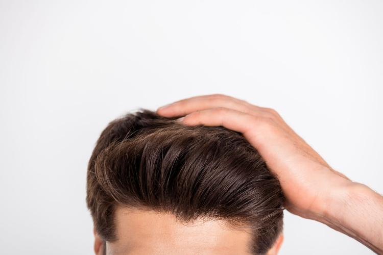 Sert ve Kuru Saçlar İçin Erkek Saç Bakımı Tüyoları -1