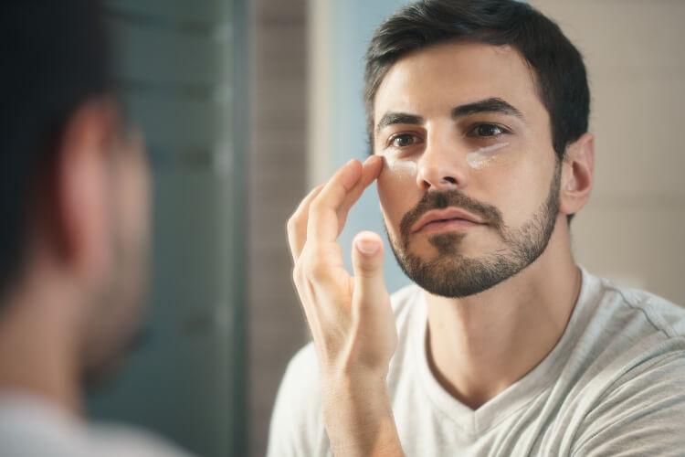 Erkeklerde Koyu Göz Halkaları Neden Oluşur?-5