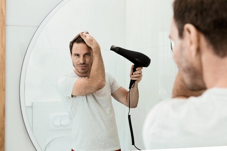 Erkeklerde Yağlı Saç Problemi Nasıl Önlenir? -3