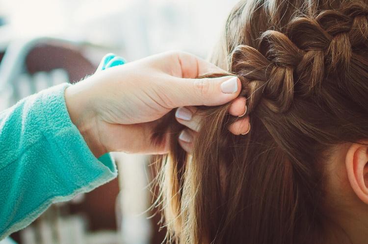 Saçı Kıvırcık Yapma: Evde Kolay ve Pratik Yöntemler-1
