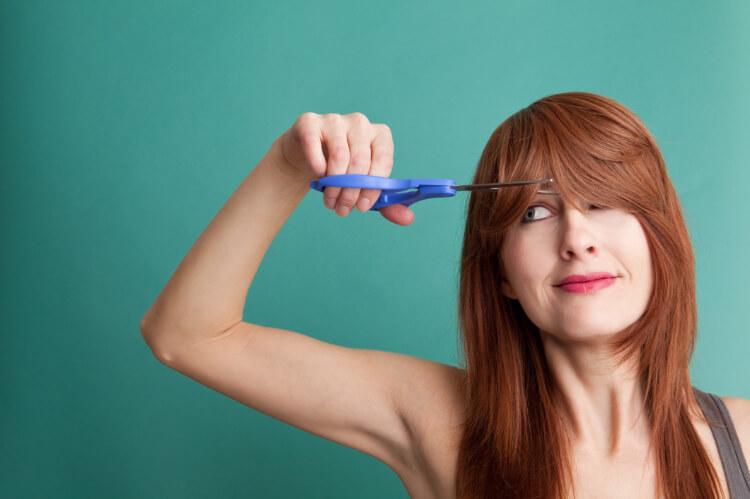 Nasıl Yapılır?: Evde Saç Kırıklarını Almak-2