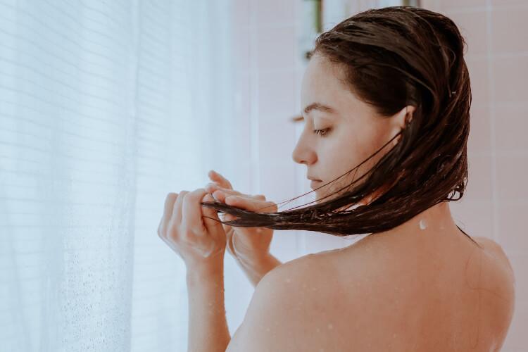 Saç Kırıkları İçin Doğal Çözüm: Çayla Durulama-1