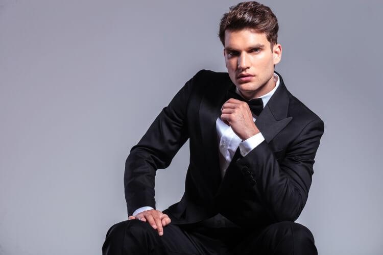 Erkekler için Klasik Geriye Yatırılmış Saç Modeli: Slick Back-2