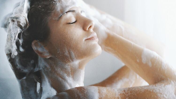 Saçlarınızın Mis Gibi Kokması İçin Öneriler-1