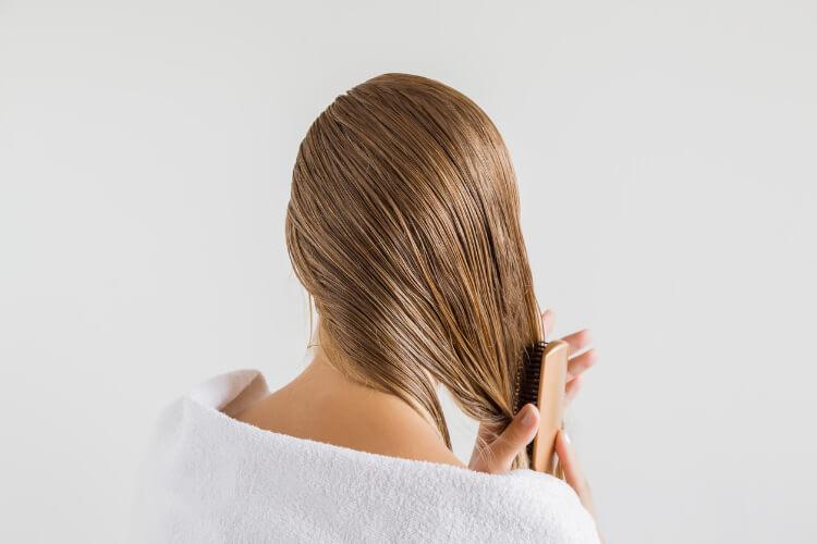 Pırıl Pırıl Saç Rehberi: Saçlar Nasıl Parlak Görünür?-1