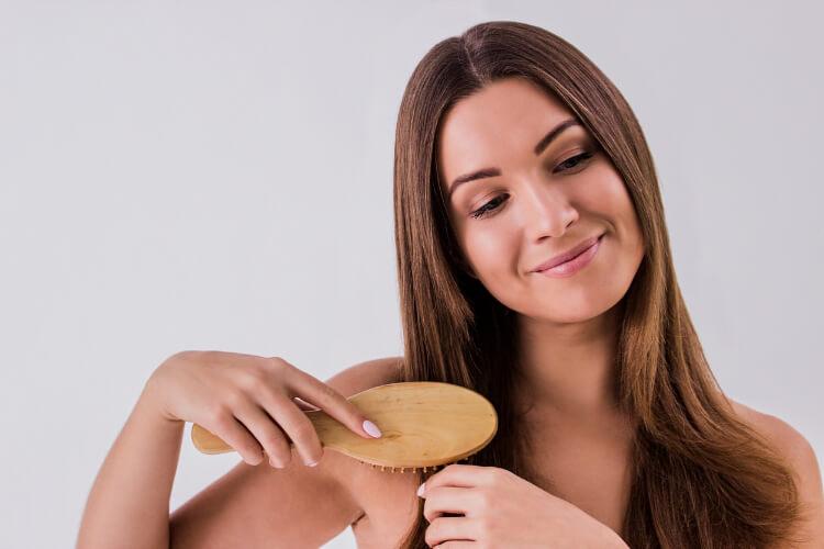 Kadınlar İçin Saç Dökülmesinin Olası Nedenleri-1