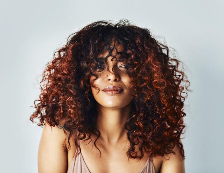 Kıvırcık Saç Ombre Renkleri ve Modellerini Keşfet -3