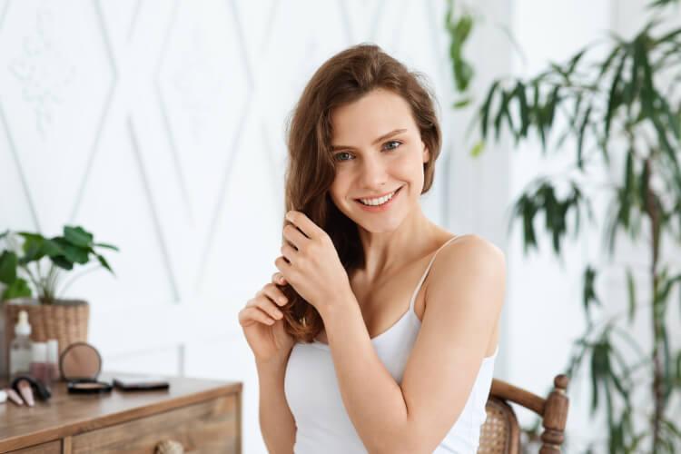 Kuru ve Elektriklenen Saçlara Evde Uygulanabilecek 4 Yöntem-2