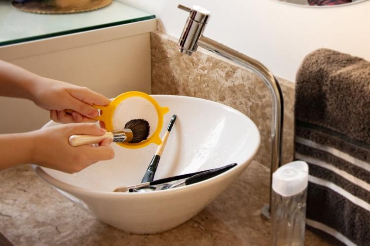 Makyaj Fırçaları Nasıl Temizlenir?-2