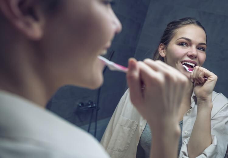 Neden Yanınızda Daima Diş Fırçası Olmalı?-2