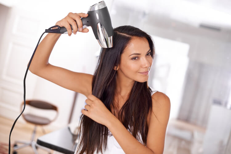 Saçlar Duştan Sonra Nasıl Düz Kalır?-3