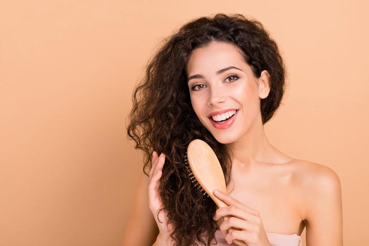 Kıvırcık Saç Şekillendirmek İçin İpuçları-1