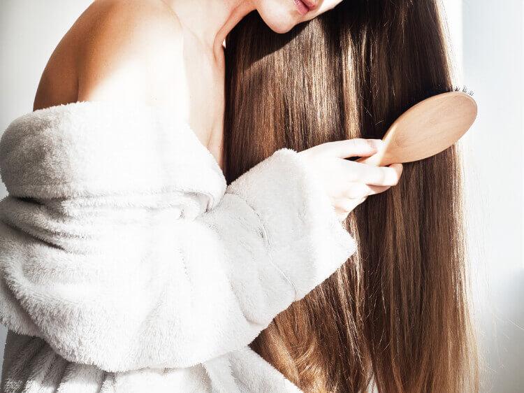 Saçı Taramak Onu Daha Parlak Yapar mı?-1