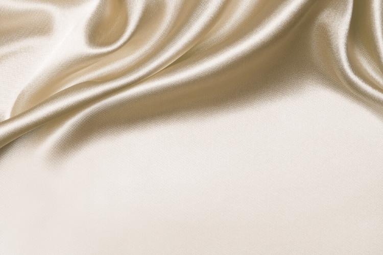 Saçlar İçin İpek ve Saten Yastık Kılıfı Farkı Nedir?-1