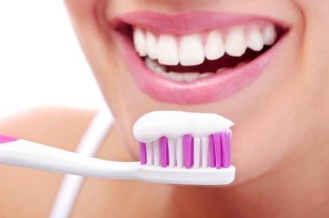 Diş Bakımında Yer Verebileceğiniz 5 Doğal İçerik-2
