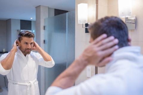 Sert ve Kuru Saçlar İçin Erkek Saç Bakımı Tüyoları -4