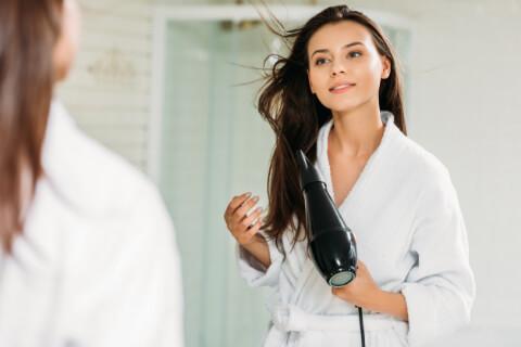Fön Çekmeye Gerek Duymayacağınız Saç Kurutma Tüyoları-4