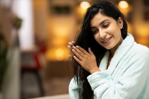 Dolaşık Saçlarınızı Açarken Onlara Zarar Vermeyin-4