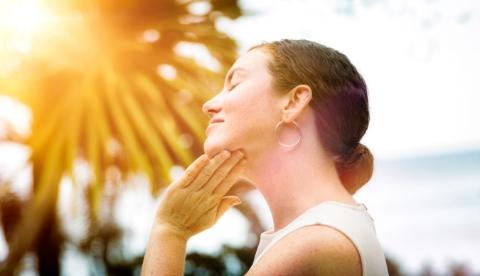 Makyaj Üzerine Güneş Koruyucu Nasıl Uygulanır?-2
