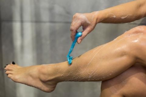 Bacaklarınızı Tıraş Ederken Yaptığınız Hatalar-4