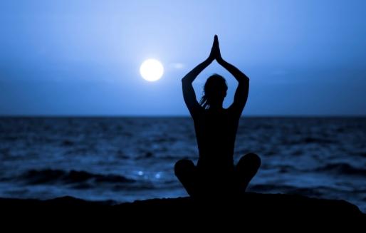 Yoga Pratiğinizi Ayın Evrelerine Göre Düzenleyin