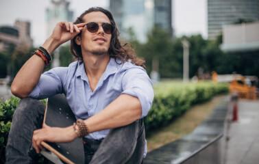Erkekler için 5 Uzun Saç Modeli