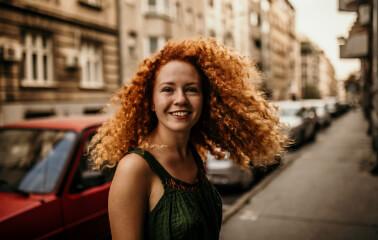 Kıvırcık Saç Şekillendirmek İçin İpuçları