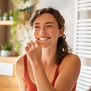 Diş Bakımında Yer Verebileceğiniz 5 Doğal İçerik